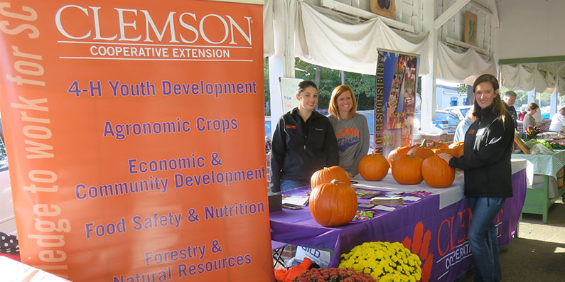 Farmers Market Honors Farmers And Clemson Extension Agency On Saturday, Nov. 3