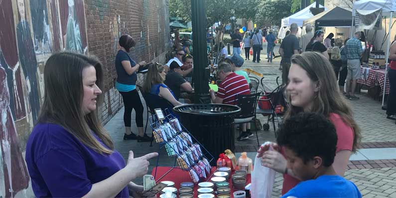 The Return of Market in The Alley